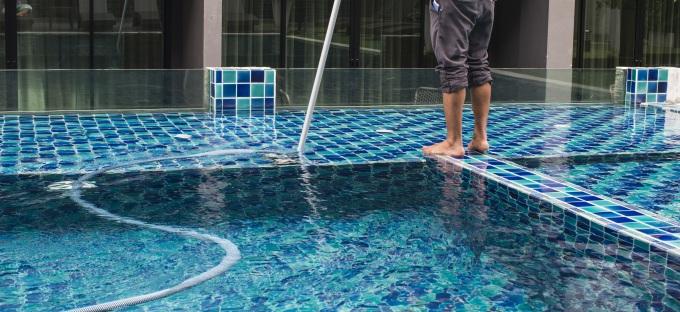 Hiring A Swimming Pool Cleaning Service Tropix Pools Tropix Pools